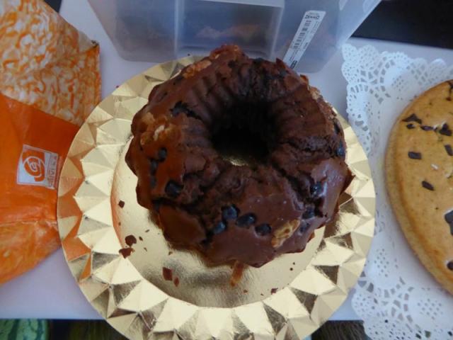 Pastís de xocolata amb nous i panses