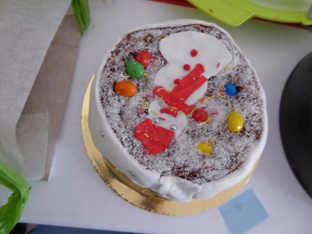 Pastís de xocolata amb ninot de neu - Premi al pastís més artístic