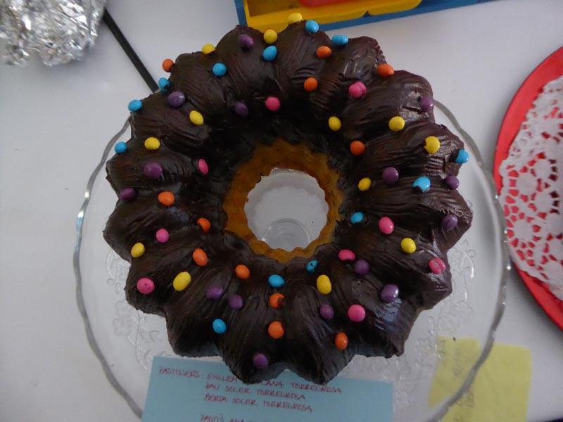 Pastís de xocolata amb lacasitos